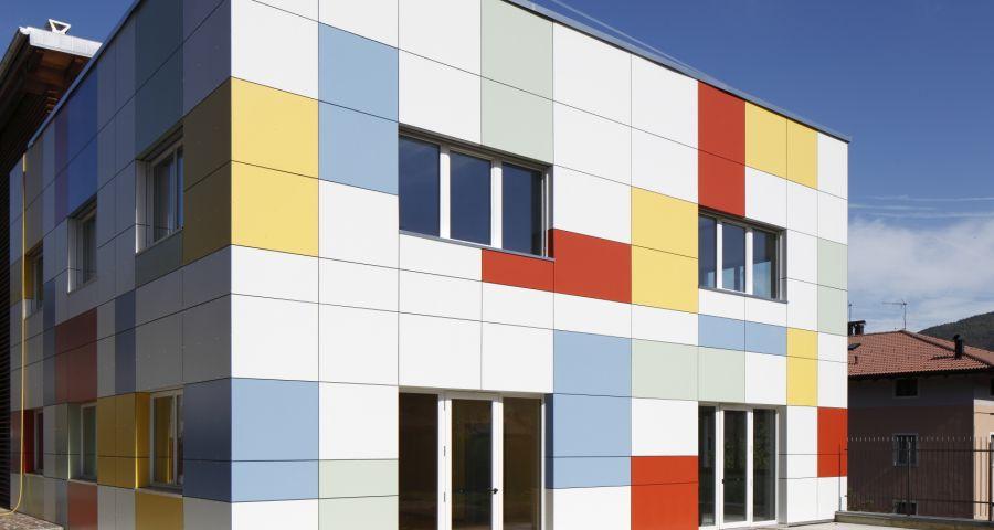 Цена - важный параметр выбора вентилируемого фасада