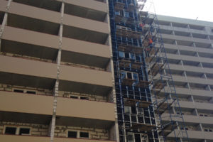 Монтаж вентилируемого фасада в многоэтажном доме